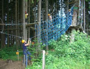 high-ropes-course-246113-960-720